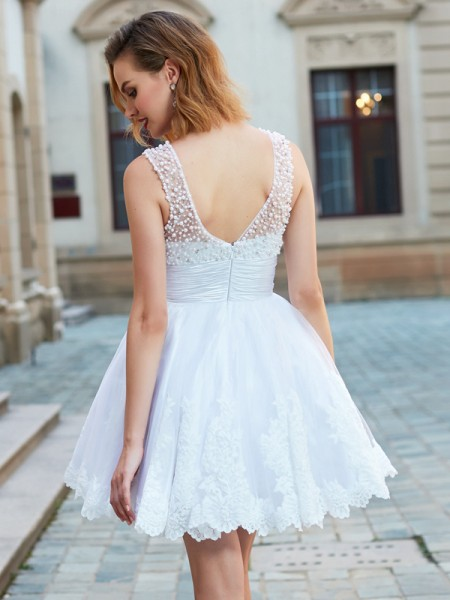 A-Line/Princess Short/Mini Sleeveless Pearls Jewel Lace Dresses