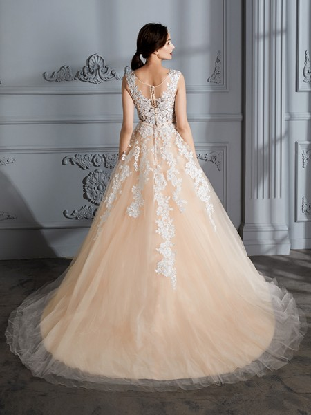 Ball Gown Court Train Scoop Sleeveless Champagne Tulle Wedding Dresses