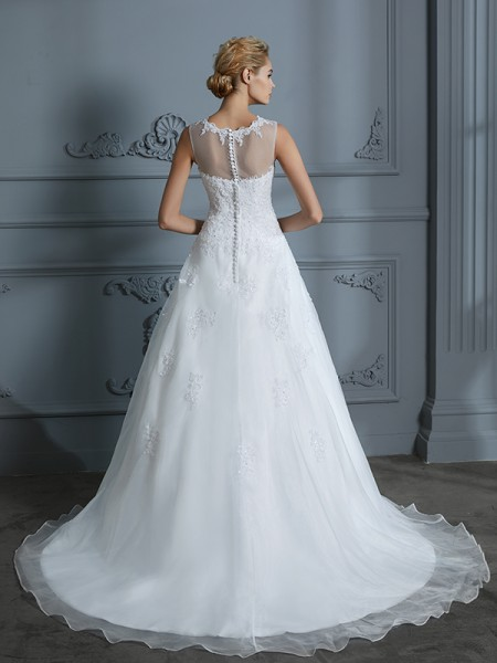 Ball Gown Court Train Scoop Sleeveless Ivory Tulle Wedding Dresses