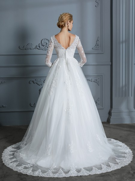Ball Gown Court Train V-neck 3/4 Sleeves Ivory Tulle Wedding Dresses