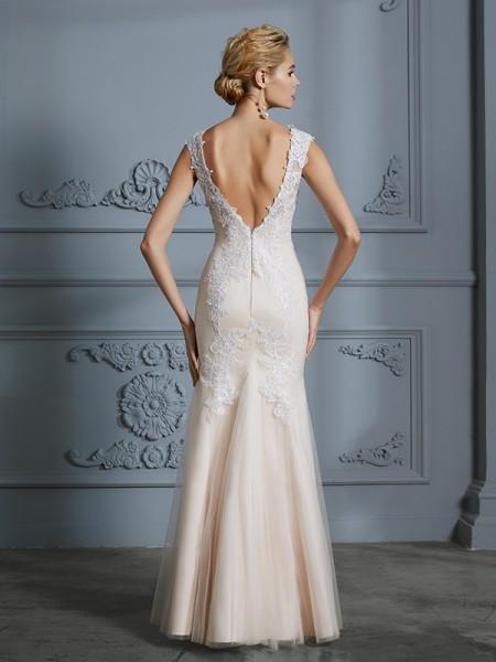 Trumpet/Mermaid Floor-Length Scoop Sleeveless Champagne Tulle Wedding Dresses