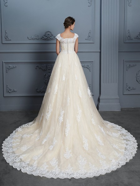 Ball Gown Beading Court Train Sweetheart Short Sleeves Lace Wedding Dresses
