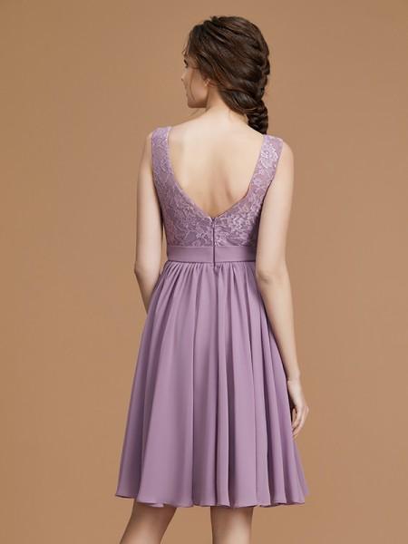 A-Line/Princess Lace Sleeveless Short/Mini Chiffon Bateau Bridesmaid Dresses