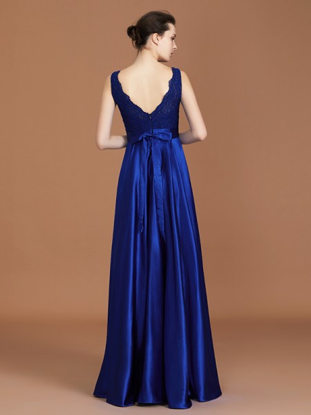 A-Line/Princess Lace Sleeveless Asymmetrical Satin V-neck Bridesmaid Dresses