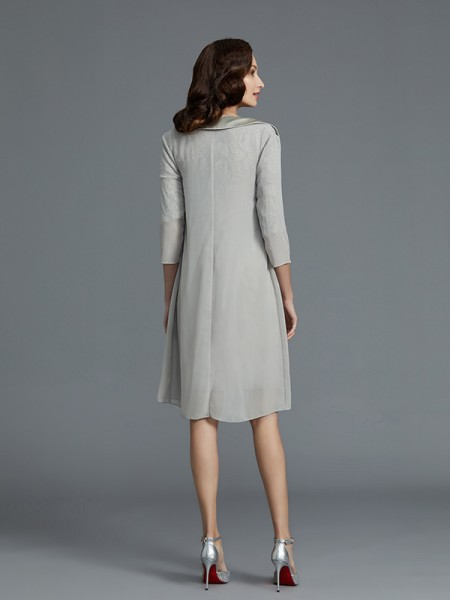 Sheath/Column Short/Mini Scoop 1/2 Sleeves Silver Chiffon Mother of the Bride Dresses