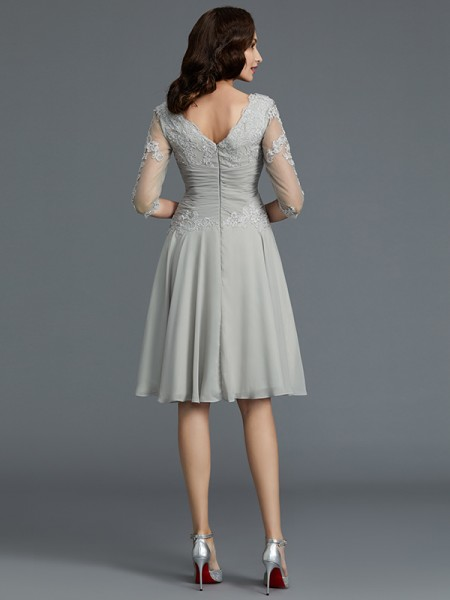 A-Line/Princess Knee-Length Scoop 1/2 Sleeves Silver Chiffon Mother of the Bride Dresses