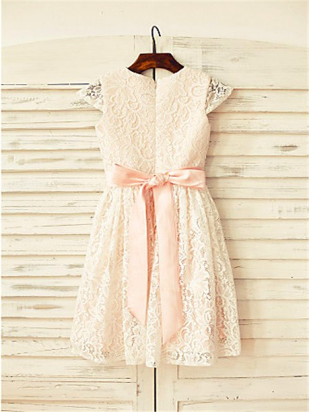 A-Line/Princess Tea-Length Hand-Made Flower Scoop Short Sleeves Lace Flower Girl Dress