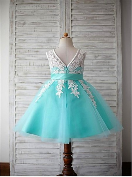 Ball Gown Sleeveless Tulle Tea-Length Bowknot Scoop Flower Girl Dresses
