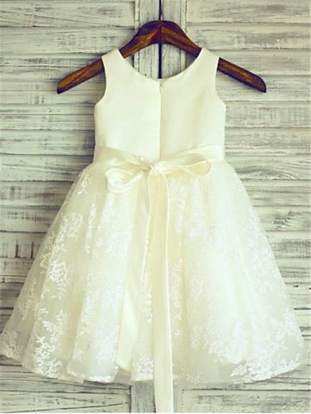 A-line/Princess Sleeveless Lace Knee-Length Sash/Ribbon/Belt Scoop Flower Girl Dresses
