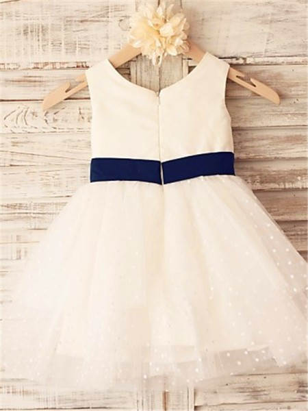 A-line/Princess Sleeveless Organza Tea-Length Hand-Made Flower Scoop Flower Girl Dresses