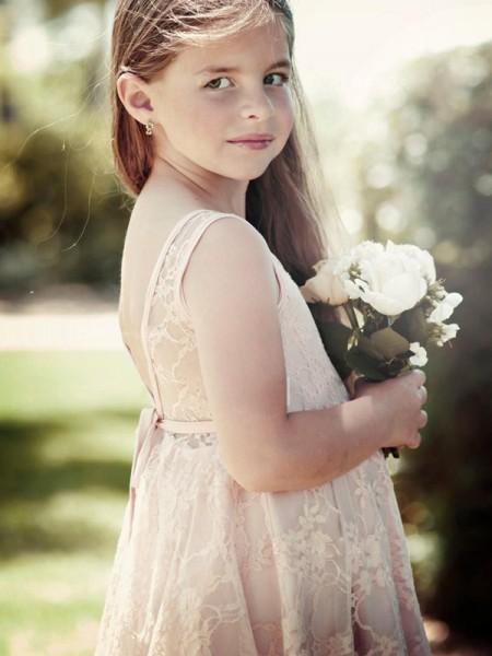 A-Line/Princess Sleeveless Scoop Knee-Length Ruffles Lace Flower Girl Dresses