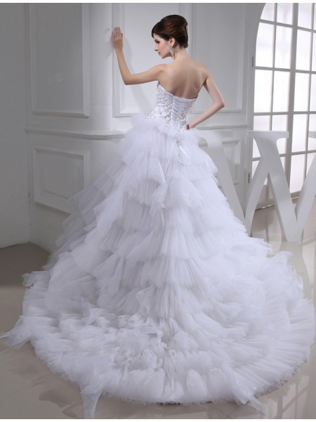 A-Line/Princess Beading Embroidery Satin Sleeveless Chapel Train Sweetheart Wedding Dresses