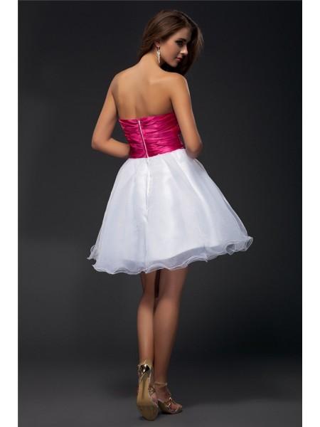 A-Line/Princess Sash/Ribbon/Belt Beading Elastic Woven Satin Organza Sleeveless Short/Mini Strapless Short Cocktail Dresses