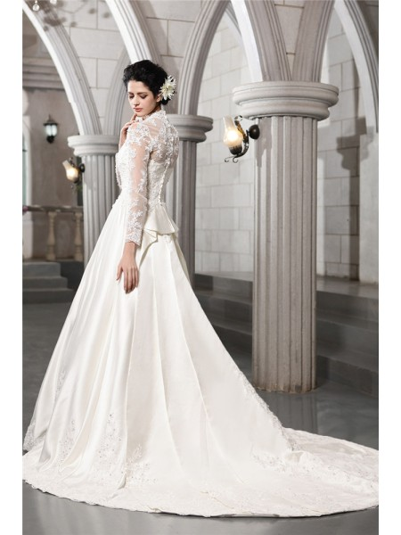 A-Line/Princess Beading Applique Satin Long Sleeves Chapel Train V-neck Wedding Dresses
