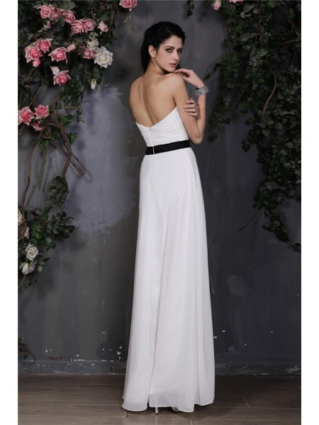 Sheath/Column Pleats Hand-Made Flower Chiffon Sleeveless Floor-Length Sweetheart Bridesmaid Dresses