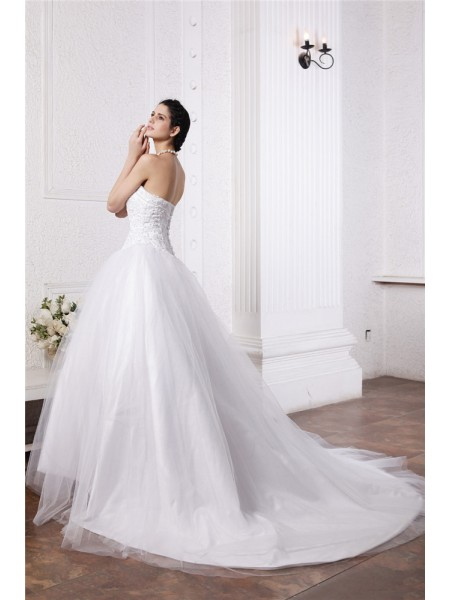 Ball Gown Beading Applique Net Sleeveless Chapel Train Sweetheart Wedding Dresses