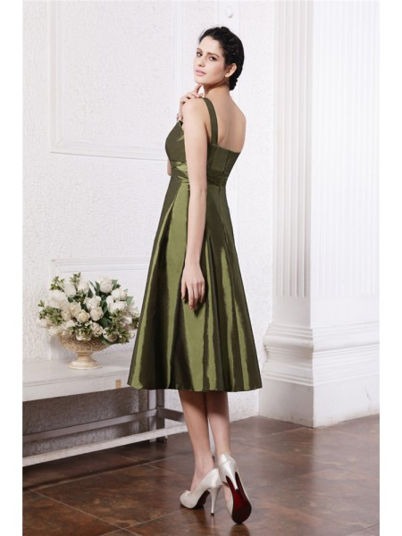 A-Line/Princess Ruffles Taffeta Sleeveless Knee-Length Square Bridesmaid Dresses