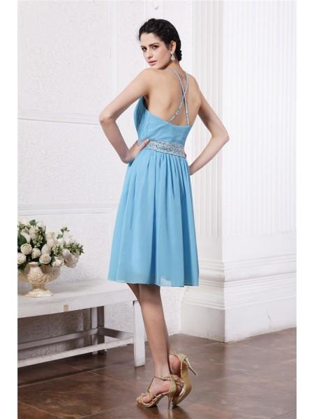 Sheath/Column Pleats Beading Chiffon Sleeveless Knee-Length Halter Bridesmaid Dresses