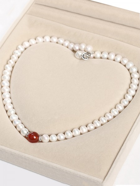 Hot Sale Graceful Pearl Necklaces For Mother