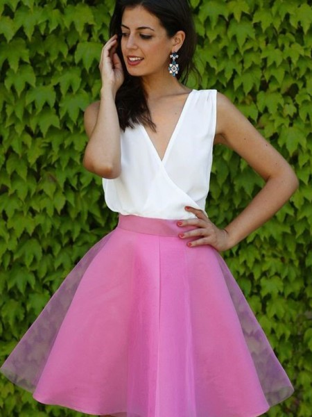 A-Line/Princess V-neck Short/Mini Tulle Dress
