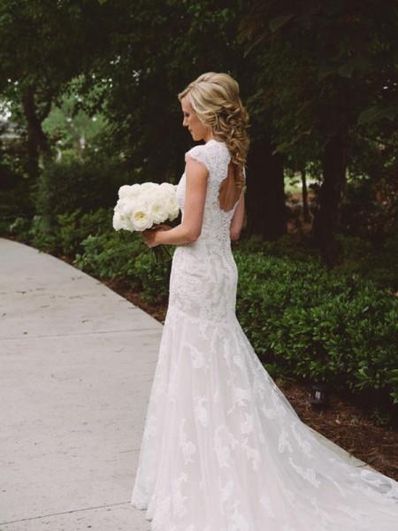 Sheath/Column Lace Applique V-neck Short Sleeves Court Train Ivory Wedding Dresses