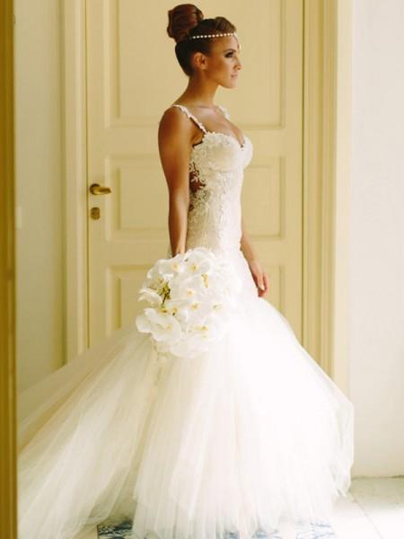 Trumpet/Mermaid Tulle Applique Spaghetti Straps Sleeveless Court Train White Wedding Dresses