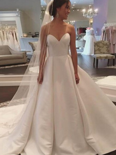 Ball Gown Satin Sweetheart Sleeveless Court Train Ivory Wedding Dresses