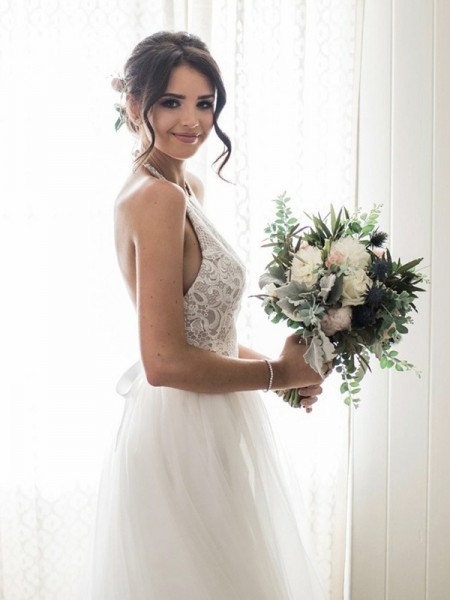 A-Line/Princess Tulle Lace Halter Sleeveless Floor-Length White Wedding Dresses
