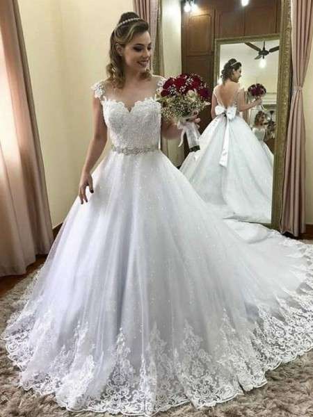 Ball Gown Sweetheart Beading Sleeveless Court Train Tulle Wedding Dresses