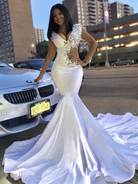 Trumpet/Mermaid Court Train V-neck Long Sleeves Beading Satin Dresses