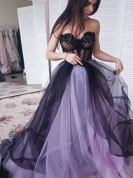A-Line/Princess Court Train Strapless Sleeveless Applique Tulle Dresses