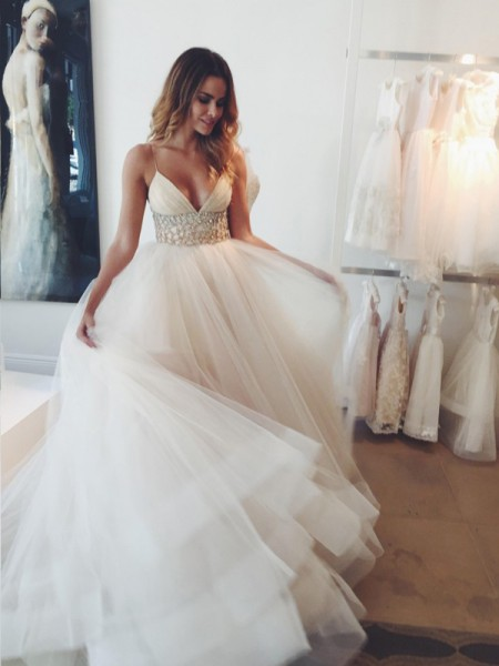 Ball Gown Court Train Tulle Sleeveless Spaghetti Straps Crystal Wedding Dresses