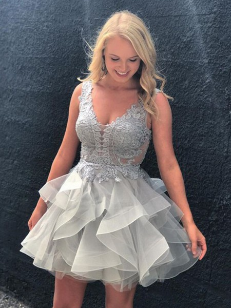 A-Line/Princess V-neck Applique Short/Mini Tulle Dress