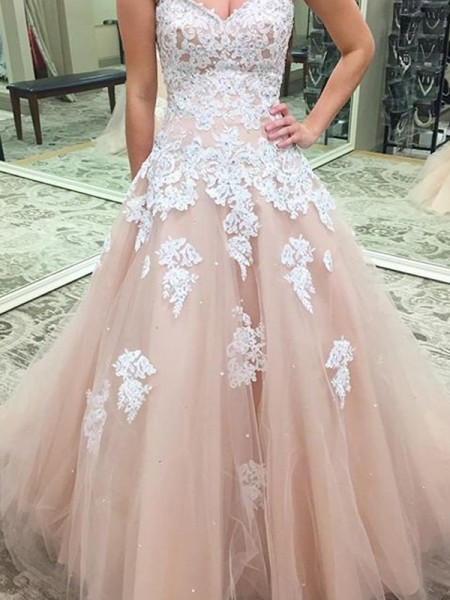 Ball Gown Floor-Length Tulle Sleeveless Sweetheart Applique Dresses