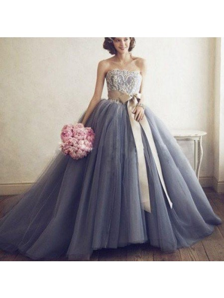 Ball Gown Sweep/Brush Train Tulle Sleeveless Sweetheart Applique Dresses