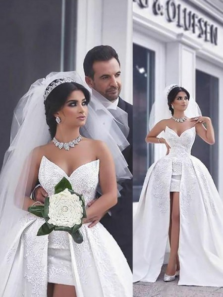 Ball Gown Chapel Train Satin Sleeveless Sweetheart Beading Wedding Dresses