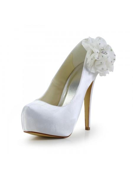 Kvinners Satin Stiletto Heel Lukket Toe Platform Hvit Bryllupsko Med Rhinestone